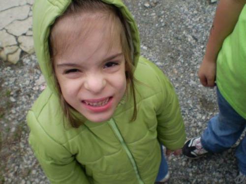 Cómo mantener a los niños de travesía a través de su patio