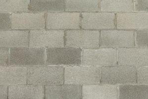 Cómo construir una estantería de bloques de cemento y tableros de