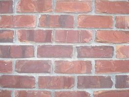 ¿Cómo elegir la pintura Exterior para que coincida con los ladrillos de una casa?