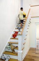 Cómo instalar un pasamano de la escalera