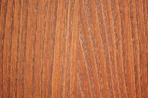 ¿Puedo tener pisos de madera manchados marrón en un comedor y mancha negra en la cocina?