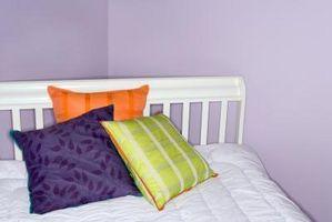 Cómo decorar con paredes de color púrpuras