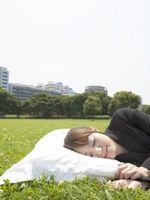 Cómo elegir una buena almohada para un cama de lado