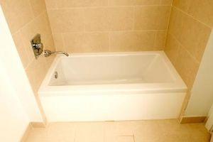Instalación de baldosas bañera