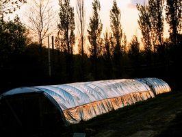 Cómo construir un Mini invernadero con un calentador
