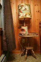 Remodelación de una casa con paredes de Knotty Pine