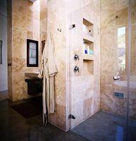 Cómo construir una ducha de barro Pan
