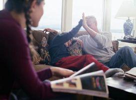 Cómo decorar una habitación familiar con revestimiento