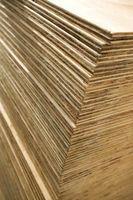 ¿Qué espesor de madera contrachapada para uso en una planta?