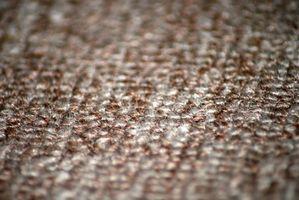 Cómo quitar las manchas secas en la alfombra