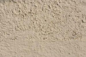 Cómo hacer ladrillos de barro para un clima húmedo