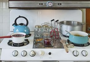 Cómo conectar un enchufe para una estufa eléctrica