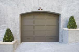 Cómo cubrir las paredes del garaje