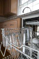 Cómo quitar una rejilla superior del lavavajillas