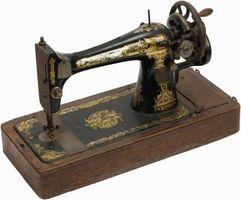Cómo determinar la edad de una máquina de coser antigua cantante
