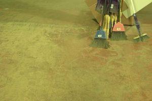 Cómo aplicar epoxi revestimiento de suelos