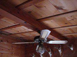 Cómo construir e instalar un techo de madera sólido de EZ