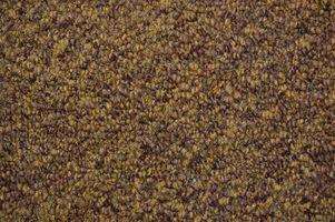 Cómo estirar la alfombra de sala nueva