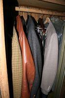 Cómo construir un invierno ropa armario de almacenamiento