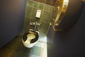 Cuarto de baño puestos en el lugar de trabajo