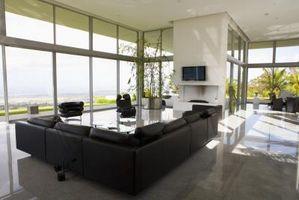 Cómo decorar una sala de televisión con un sofá seccional