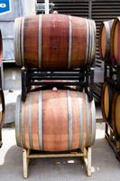 ¿Cómo plantar jardines de la hierba de barril de vino