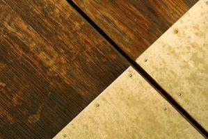 Cómo hacer una frontera entre suelos de linóleo y madera