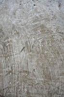 ¿Qué sucede cuando existe humedad en pisos de concreto?