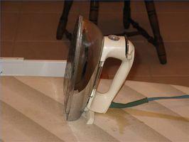 ¿Cómo limpiar una plancha de vapor