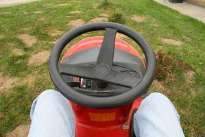 Cómo reemplazar un disco de Tractor Husqvarna