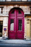 Cómo pintar una puerta roja