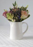 Cómo hacer arreglos florales de boda