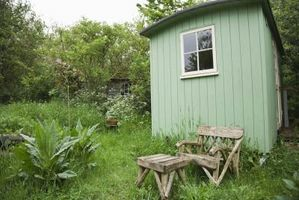 Cómo hacer un cobertizo de una casa pequeña