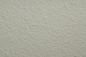 Consejos para clavar en las paredes de yeso duro