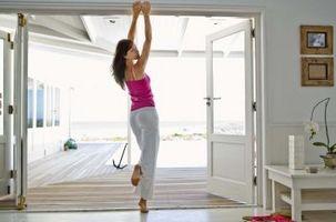Cómo poner molduras alrededor de las puertas