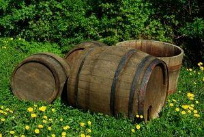Cómo hacer una característica del agua de barril de roble