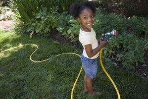 Cómo cuidar una manguera de jardín