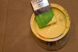 Cómo mezclar el marrón con pintura roja