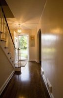 ¿Qué tipo de iluminación de escaleras interiores?