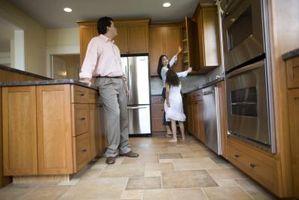 Cómo reemplazar azulejos de la cocina sin sacar los gabinetes