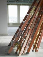 Efectos de la luz solar en escaleras de fibra de vidrio