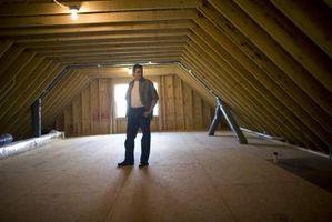 Cómo instalar un piso sobre aislamiento de ático