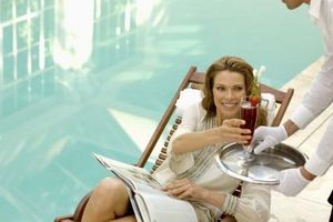 Cómo cambiar una piscina de cloro a una piscina de agua salada