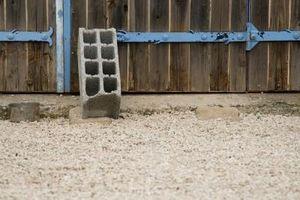 Cómo reciclar el hormigón en un jardín