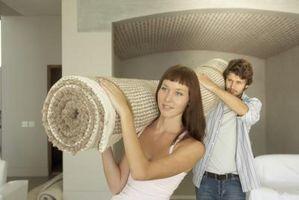 Cómo quitar los clavos de tira bordada alfombra