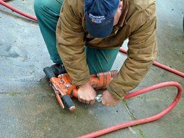 ¿Cómo reparar un compresor de aire portátil