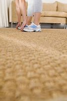 Cómo sellar los bordes de la alfombra