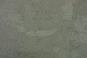 ¿Qué necesito instalar baldosas de cerámica sobre una losa de hormigón?