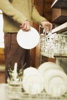 ¿Por qué tienen lentes una película cuando lavan en el lavavajillas?