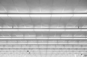 ¿Qué Gas es dentro de bombillas de luz fluorescente?